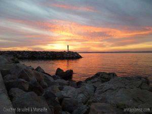 Coucher de soleil en bord de mer à Marseille