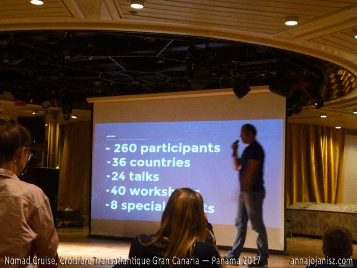 Conférence entre nomades digitaux sur une croisière transatlantique
