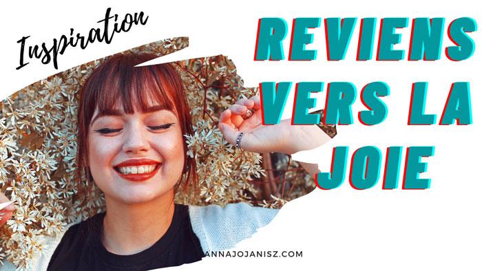 Femme qui sourit, illustration de la vidéo d'inspiration spirituelle de l'écrivaine française Annajo Janisz